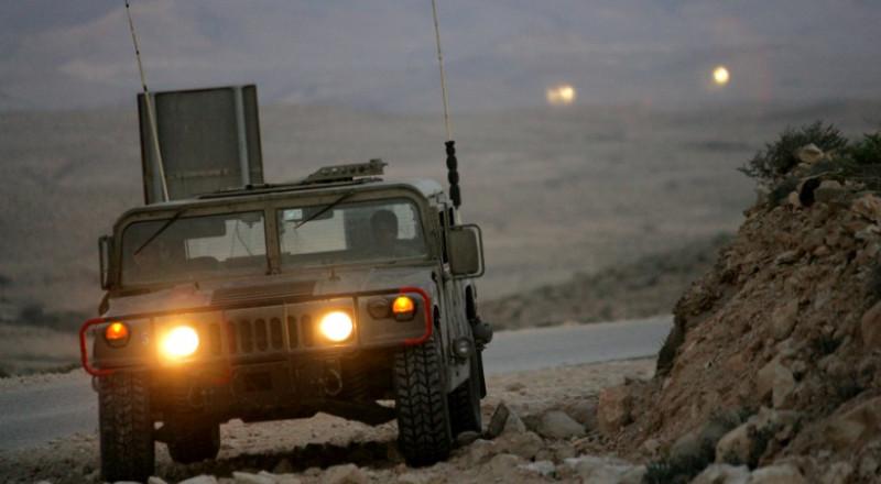 الجيش الاسرائيلي يفحص مركبات ضباطه خشية أجهزة التنصت