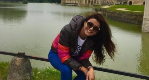 صورة نادرة تجمع علا الفارس بأشقائها!