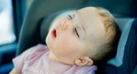 بحث: اكثر مكان ينام فيه الاطفال بسرعة- السيارات