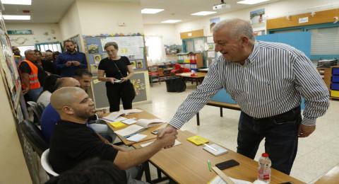 2الناصرة: المرشح وليد العفيفي يدلي بصوته ويؤكد: تفوّقنا واضح