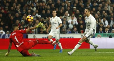ريال مدريد يستعيد توازنه ويبتعد في الصدارة
