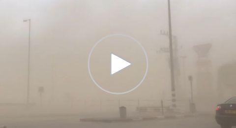 بالفيديو: شاهدوا العاصفة الرملية جنوبي البحر الميت