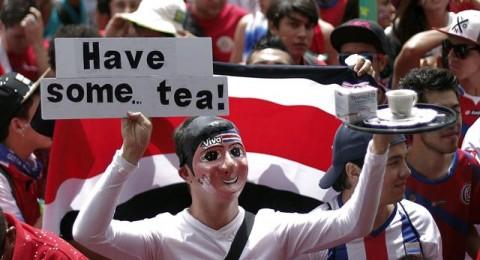 مشجعون يقولون ان كيس الشاي يظل في