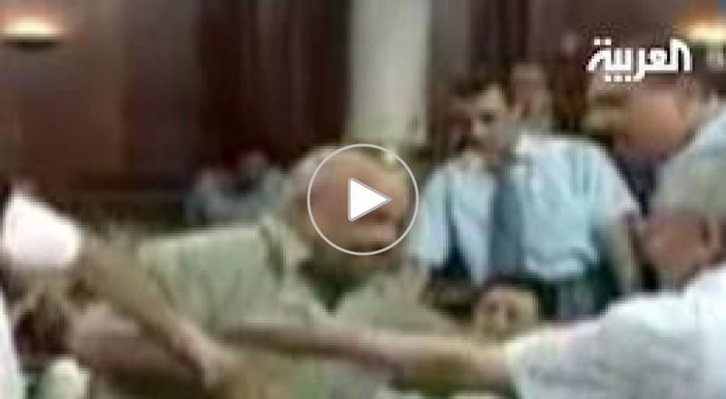 نائب تونسي يشهر سكينا في وجه زميله بجلسة عامة