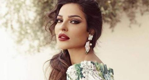 نادين نسيب نجيم تشعل الشبكات برقصها مع صديقتيها