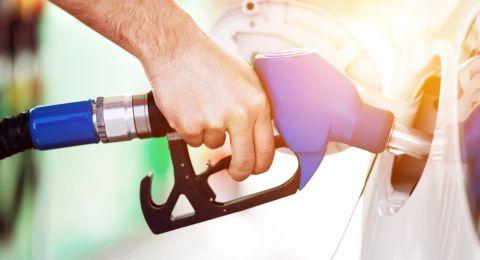 منتصف الليلة: ارتفاع سعر البنزين بثماني أغورات