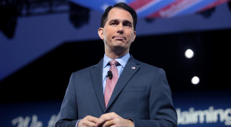 حاكم ولاية أمريكية يمنع إقامة علاقات مع شركات مقاطعة لـ