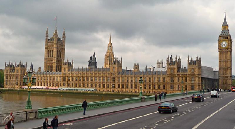 برلمانيون وشخصيات بريطانية وأسكتلندية يحثون حكومتهم على الاعتراف بفلسطين