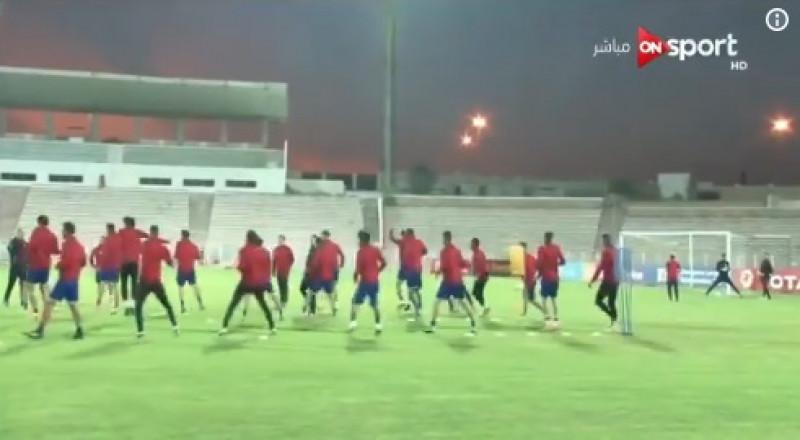 إصابات بعد اقتحام الجماهير لملعب الأهلي المصري