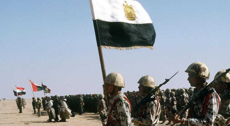 إسرائيل تطلب من مصر تهدئة الوضع بغزة ووقف الرد