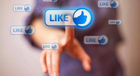 """تعيين 3000 موظف بـ""""فيسبوك"""" للمراقبة فقط"""