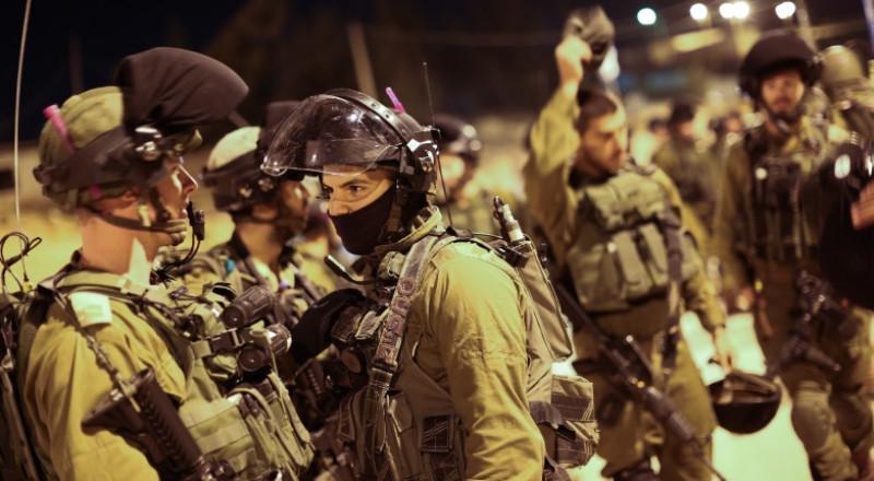 اعتقال 16 بالضفة بينهم ممثل