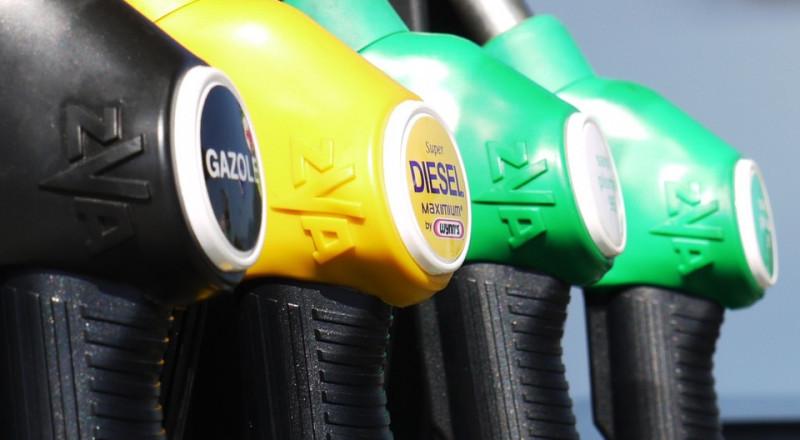 اسعار البنزين تُرفع بنسبة 1% اعتبارا من منتصف الليلة