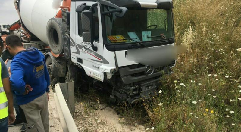 إصابة بالغة بحادث طرق مروع قرب الرينة