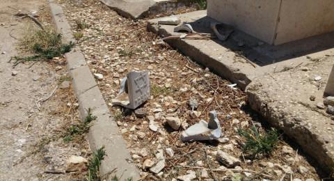اشكلون: اضرار مادية جسيمة في مقبرة والشرطة تباشر التحقيق