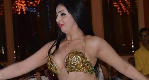 فاجعة فنية: وفاة راقصة بعد عملية تجميل لصدرها!