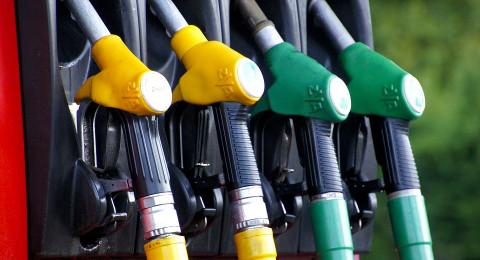 أسعار الوقود ترتفع في إسرائيل مطلع الشهر القادم