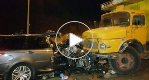 فنان لبناني يتعرض لحادث طرق .. ويفاجئ الجميع بإحياء حفلٍ وهو مصاب