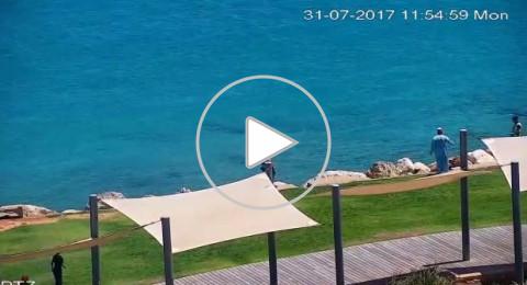 شاهدوا بالفيديو: شاب يهرب من مستشفى رامبام إلى أعماق البحر!