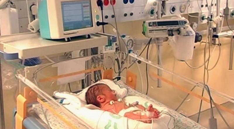 بحث: الانجاب المبكر يشكل خطرًا على المولود الخداج!