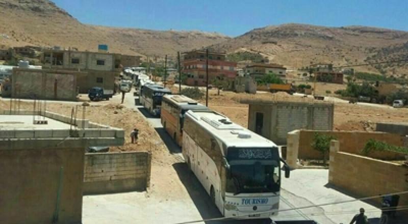 لبنان: انتهاء عملية إخلاء مسلحي النصرة وعائلاتهم من جرود عرسال