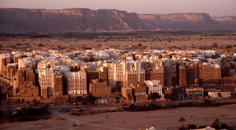وزير يمني: مقتل أكثر من 11 ألف شخص منذ بدء الحرب