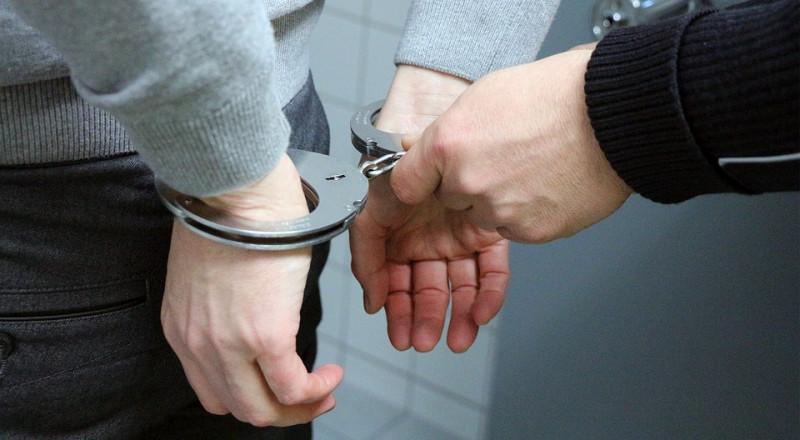 اعتقال نائب رئيس بلدية بشبهة الضلوع بجريمة قتل