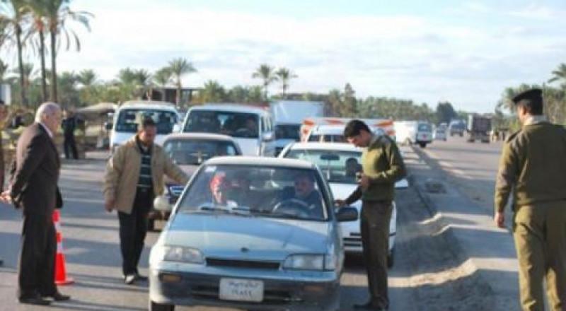 فلسطيني يقوم بسرقة سيارة تابعة لمستوطن ويفر هاربا