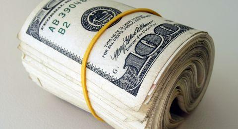 العملات: استقرار في أسعار الدولار والدينار