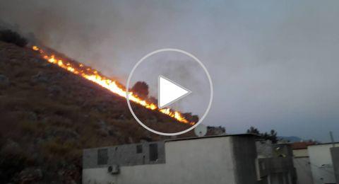 مجدالكروم: حريق هائل يصل الى بعض المنازل