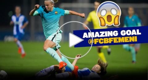 بيكيه يشبه لاعبة برشلونة بميسي وكريستيانو بعد هدفها