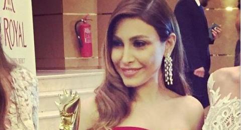 مجوهرات يارا تثير التساؤلات في حفل موريكس دور 2015