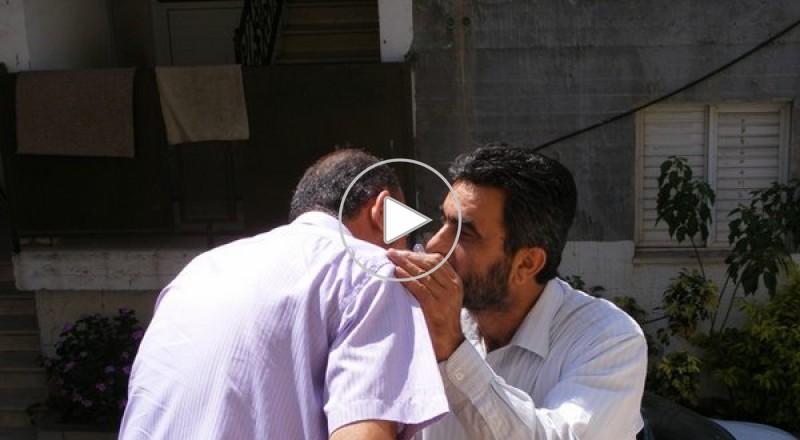 وفد من لجنة المتابعة يزور محمد كناعنة متضامنا