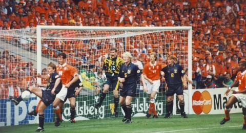 آيندهوفن يحرز كأس السوبر الهولندي
