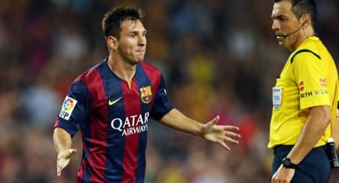 ميسي يتألق مجددا ويقود برشلونة لفوز متأخر على فياريال