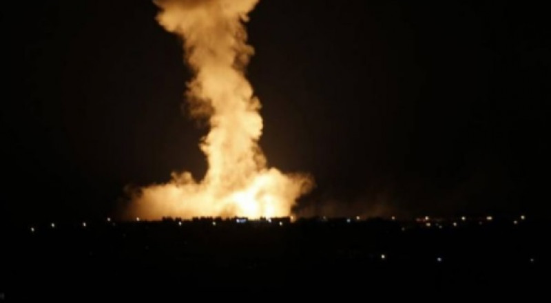 إسرائيل تقصف عدد من المواقع في رفح بقطاع غزة