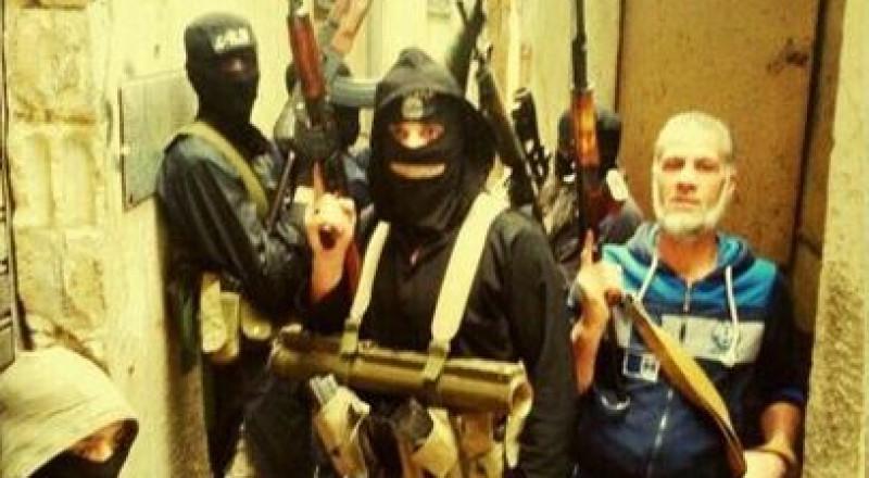 مطلوبون على رأسهم بلال بدر يغادرون مخيم عين الحلوة سرًا إلى إدلب