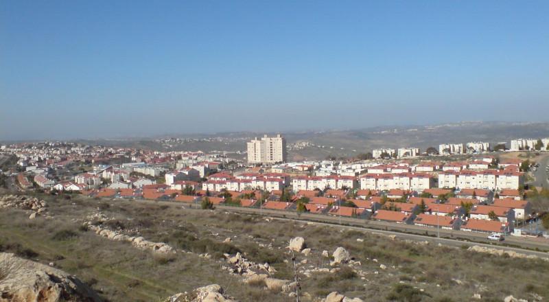 ليبرمان يعلن عن بناء آلاف الوحدات الاستيطانية بالضفة الغربية