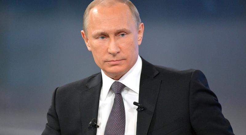 بوتين يوقع مرسوما لاستئناف الرحلات الجوية بين موسكو والقاهرة