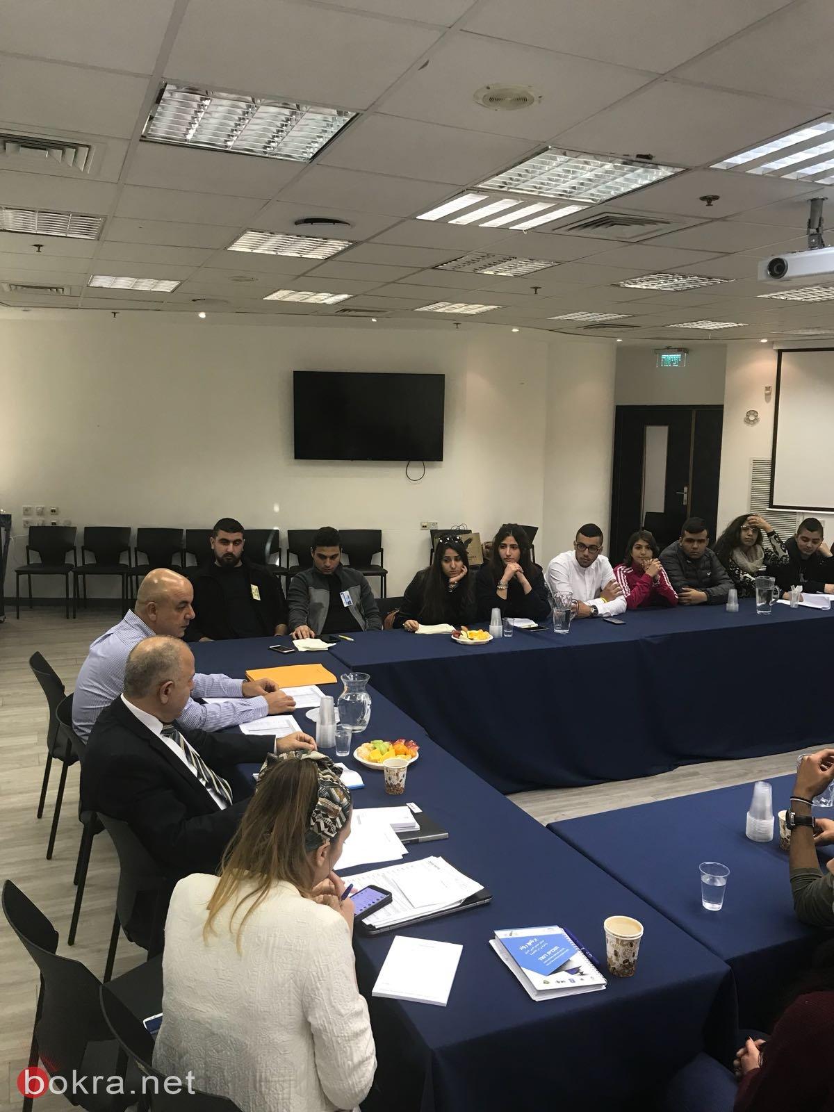 المدير العام لوزارة التّربية شموئيل أبواب يلتقي 30 طالبا ثانوّيّا من الوسط العربي .