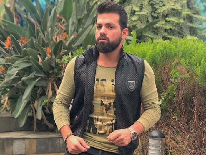 الصورة لممثّل لبناني وسيم.. هل عرفتم من هو؟