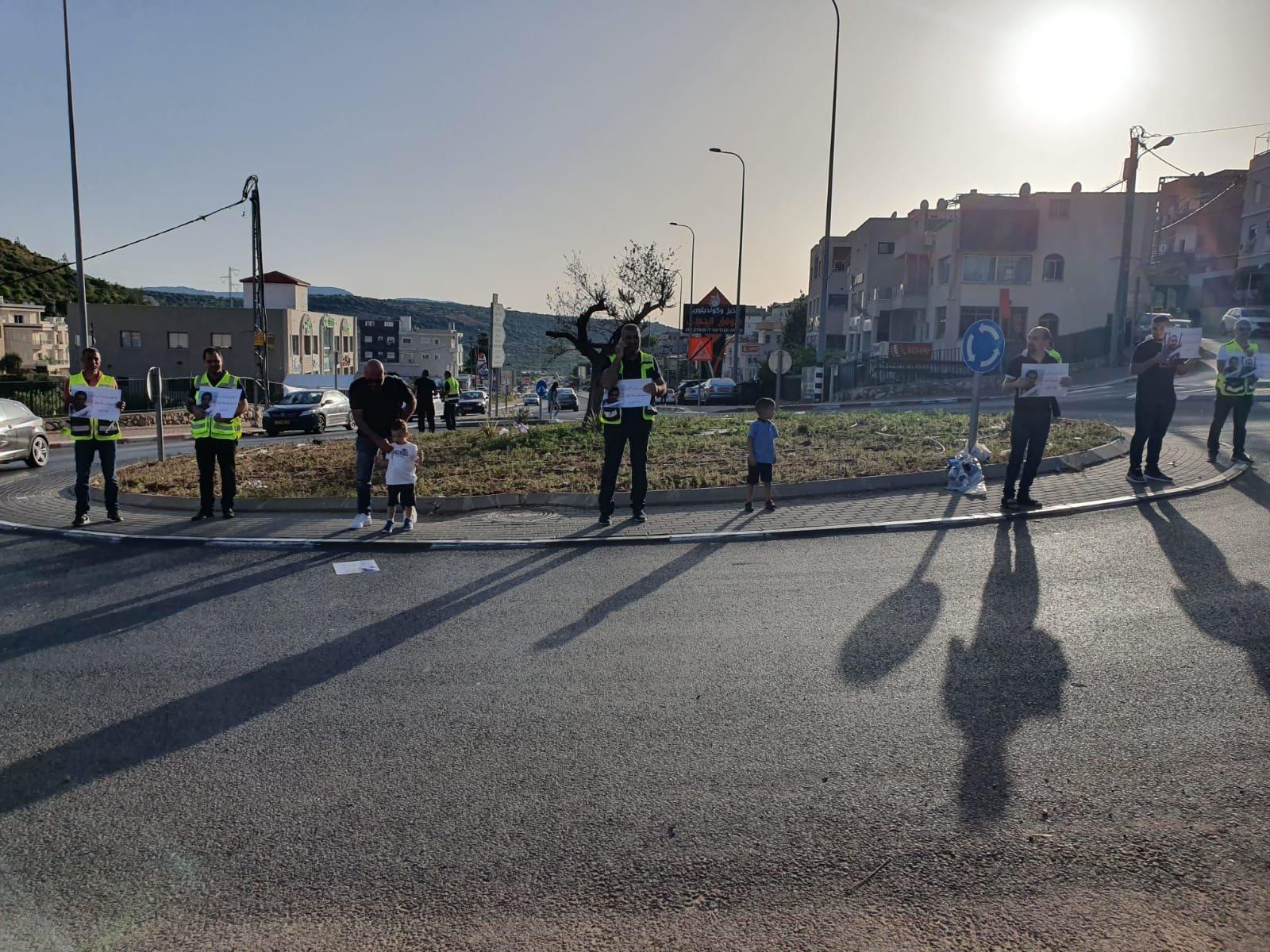 ديرحنا تتظاهر ضد الإعدامات الميدانية
