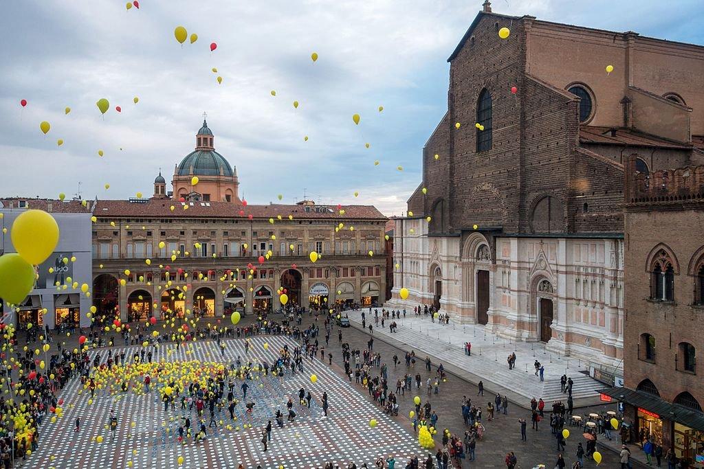 متعة السفر إلى ايطاليا: بولونيا وجهة الذواقة