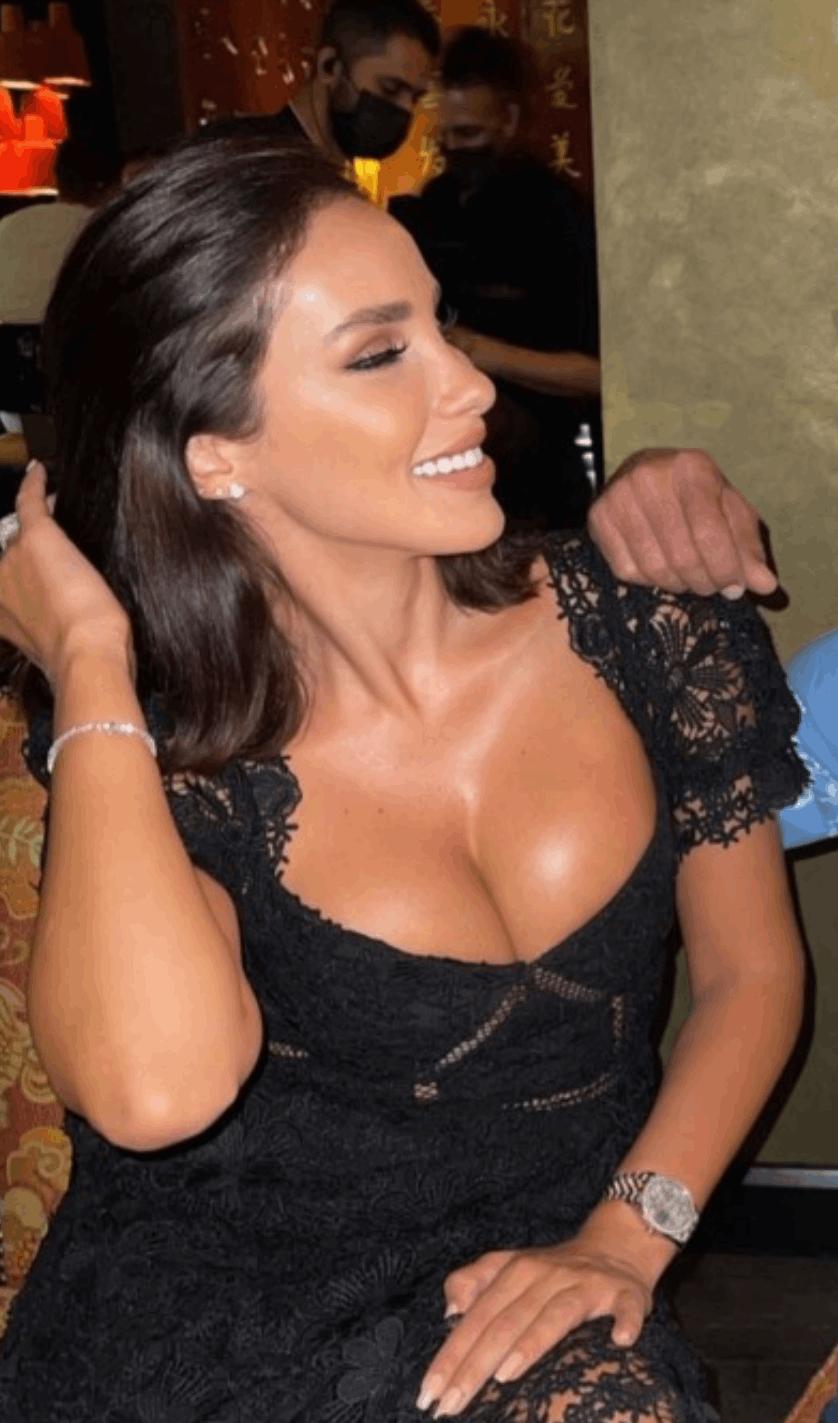 وصيفة ملكة جمال لبنان مُثيرة بفستان أسود مكشوف.. شاهدوا صور ميرا طفيلي-1