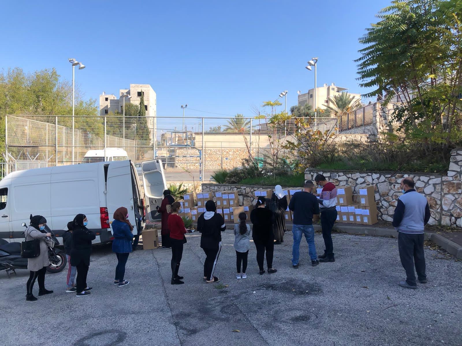 توزيع حواسيب في بلدية الناصرة-2