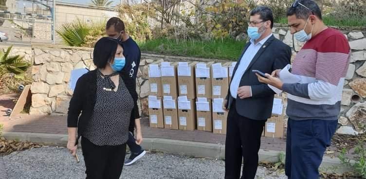 توزيع حواسيب في بلدية الناصرة-3