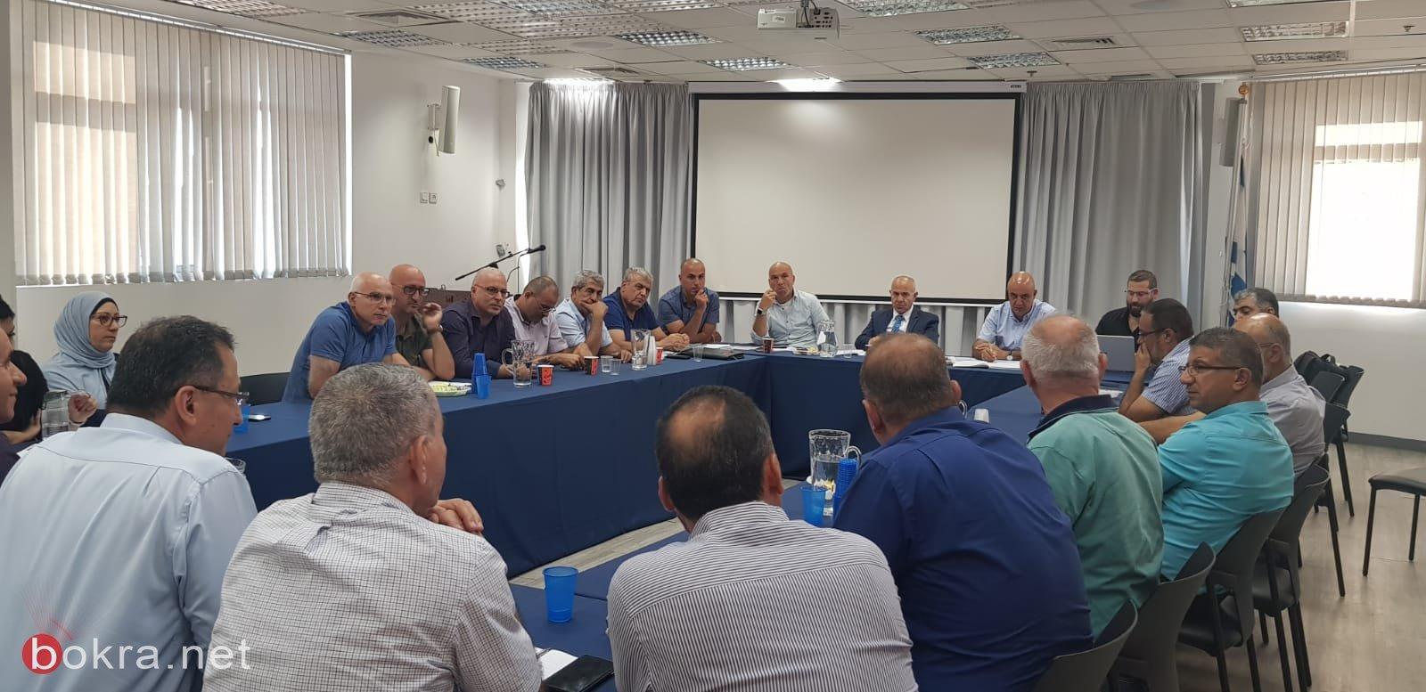 وزارة التربية والتعليم تدرس مسألة العنف بالمجتمع العربي مع مديري المدارس