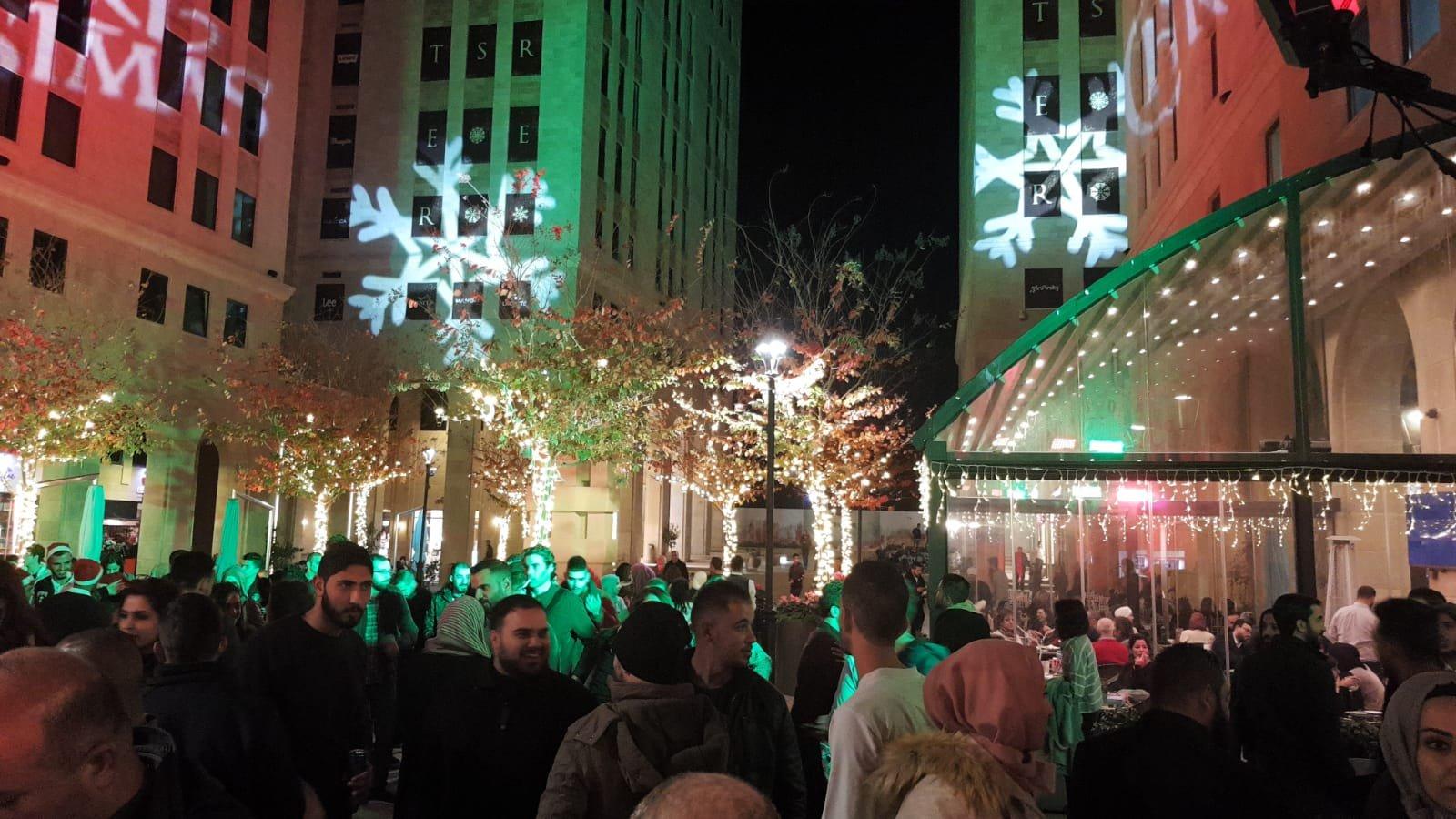 اضاءة شجرة الميلاد في مدينة روابي