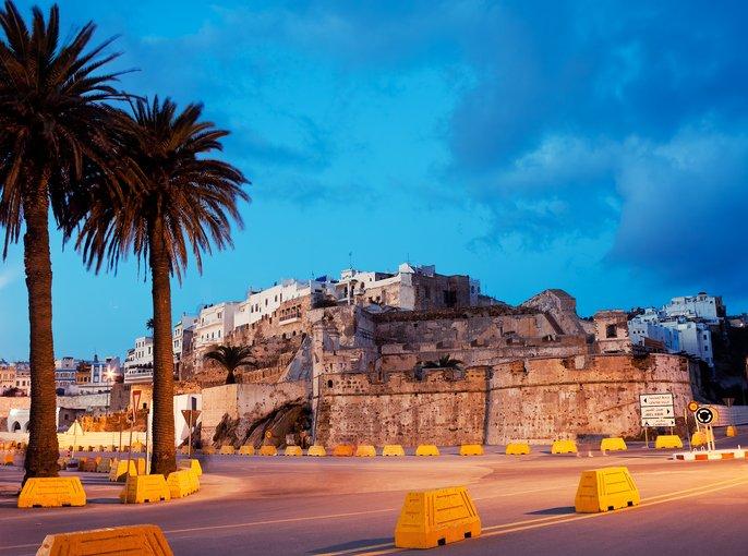 زيارة الى مدينة طنجة المغربية الساحرة بجمال طبيعتها