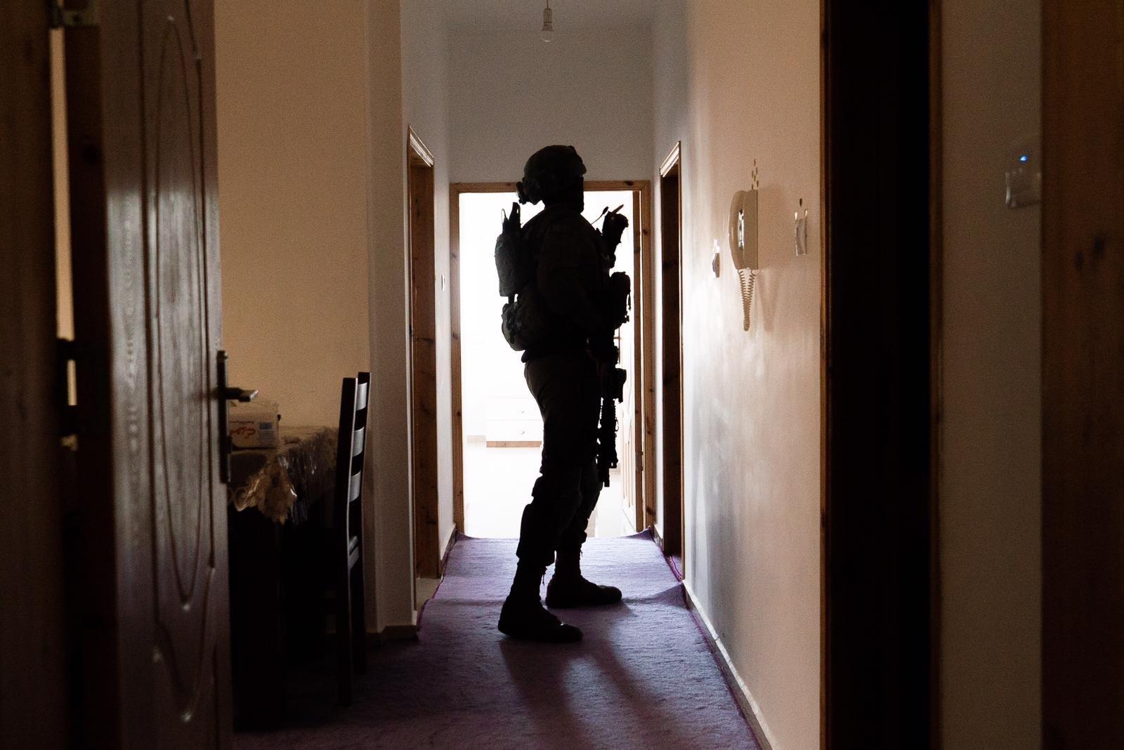 الجيش الاسرائيلي يعتقل فلسطينيين بشبهة القيام بعملية زعترة